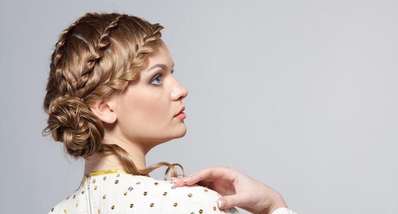 Плетение французских и греческих косичек прически с косами на средние волосы