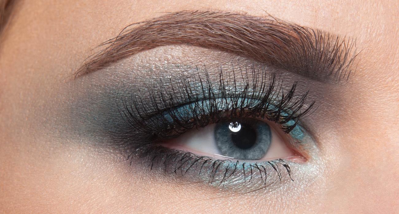 Как правильно накрасить глаза тенями голубые глаза