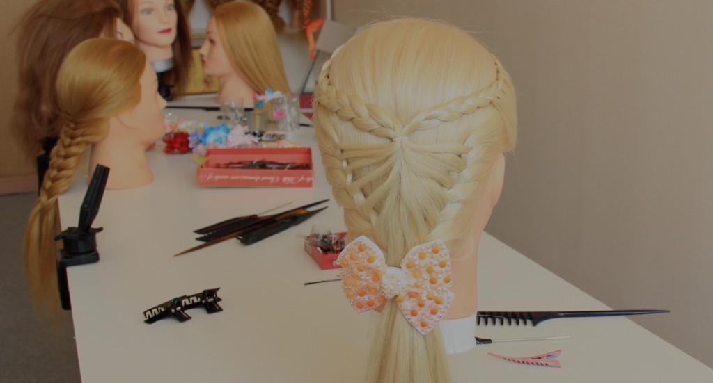 ажурная коса для девочек на 1 сентября в школу