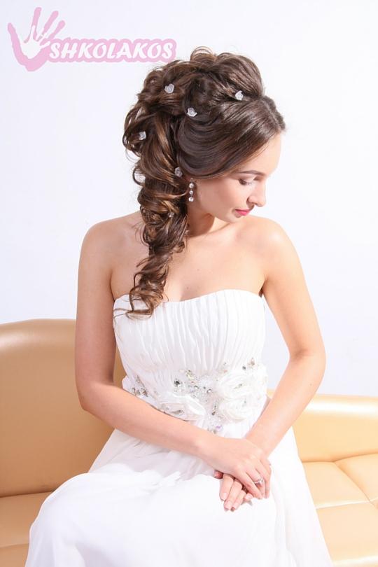свадебные прически на бок